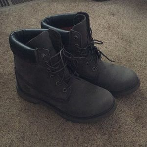 Perfect grey Timberlands!